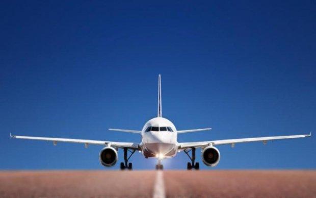 У Росії літак розсипався просто в повітрі