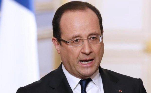 """Олланд объявил """"священную войну"""" Ле Пен"""