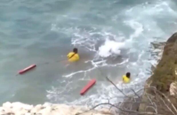 Українка впала в море в Іспанії, кадр з відео