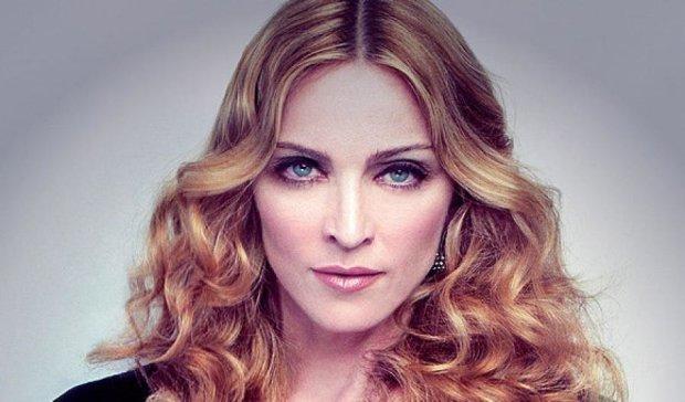 Російський депутат обізвав Мадонну дурепою за відмову виступати в Росії
