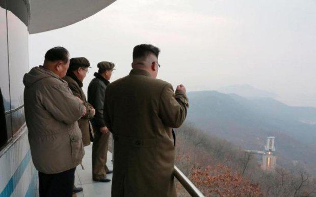 Ракета безумного диктатора пролетела над Японией