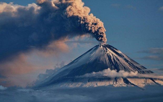 """На Камчатке """"волнуется"""" самый высокий вулкан Евразии"""