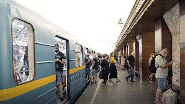Киевский метрополитен, скриншот из видео
