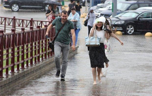 Погода у Дніпрі на 23 липня: люта стихія посадить українців під домашній арешт