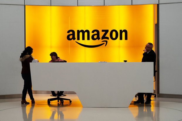 Amazon збудує в Україні техногіганта:  Зеленський зробив за місяць те,  до чого йшли 5 років