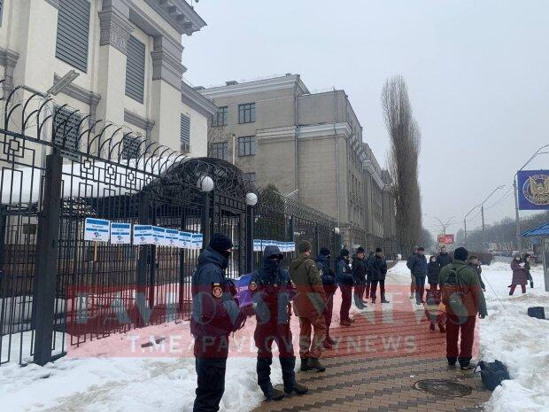 Кияни підсунули квіти під ніс Путіну