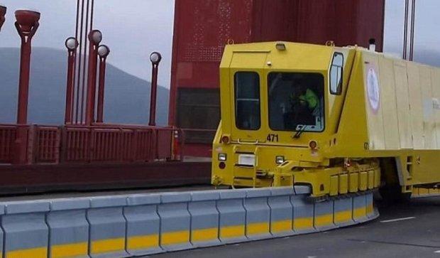 Киевский мост Патона оборудуют передвижным отбойником