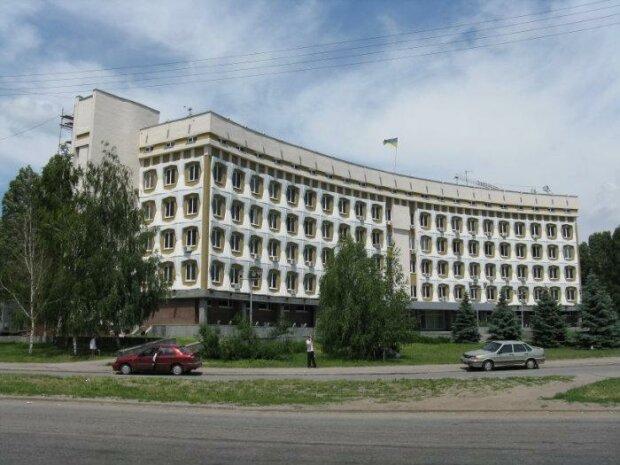 """Запорізька чиновниця три роки отримувала липові аліменти: """"Намахлювала на квартиру"""""""