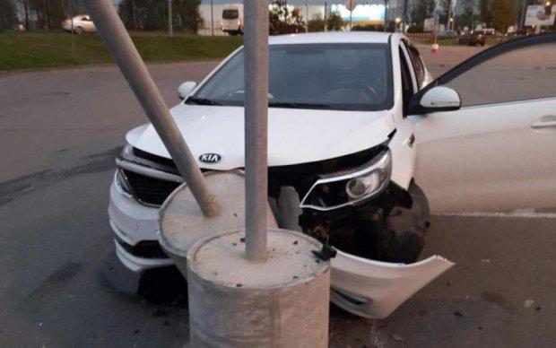 Форсаж відпочиває: п'яний водій влаштував справжній погром в центрі Києва