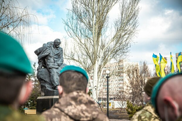 морпіхи вшанували пам'ять Т. Шевченка, фото: штаб ООС