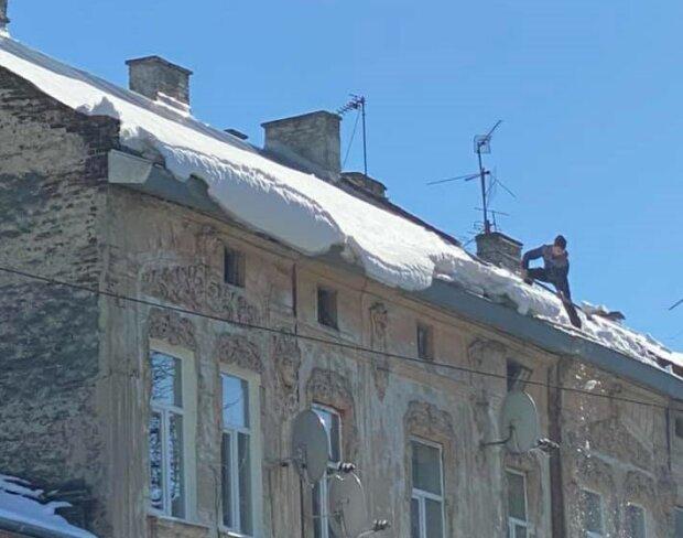 Уборка снега, фото с фейсбук