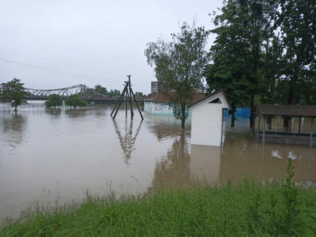 Наводнение уничтожило пол Прикарпатья - убытки на миллиарды