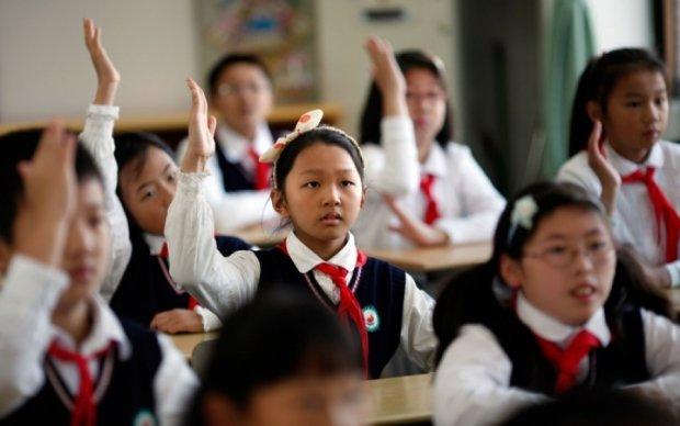Дети устроили давку в туалете китайской школы, есть погибшие