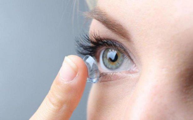 Більшість людей неправильно використовують контактні лінзи