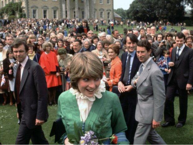 Діана Спенсер через кілька днів після оголошення про заручини, Бродлендс, 1 березня 1981