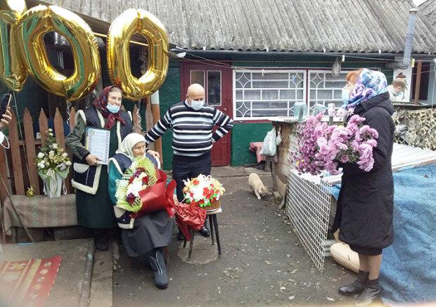 Хмельничанка отметила 100-летний юбилей, фото podillyanews.com