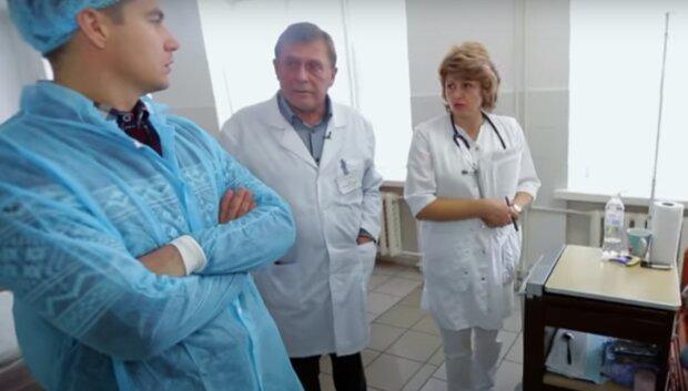 """Мама важко хворої дівчинки з Тернополя благає про допомогу, ніхто не застрахований - """"12 тисяч на добу, щоб врятувати життя"""""""