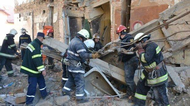 Трагедія в Дрогобичі не навчила: у Франківську обрушився будинок, подробиці за крок від трагедії