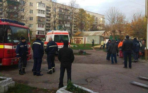 Десятки рятувальників кинулися на допомогу унікальній мешканці Коростеня
