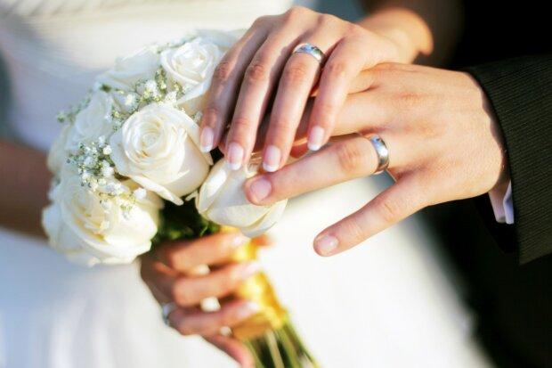 Кожна річниця весілля має свої традиції, kleo
