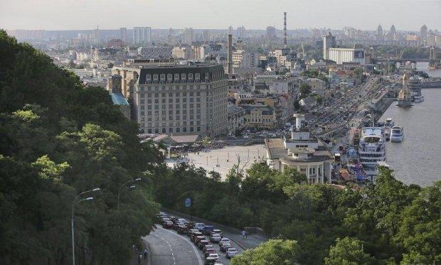 """Погода у Києві на 23 липня: стихія заводить """"стару пісню"""", забудьте про спеку"""