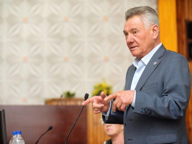 Екс-мер Києва Олександр Омельченко в жаху від доріг столиці: претензії пред'явити нікому