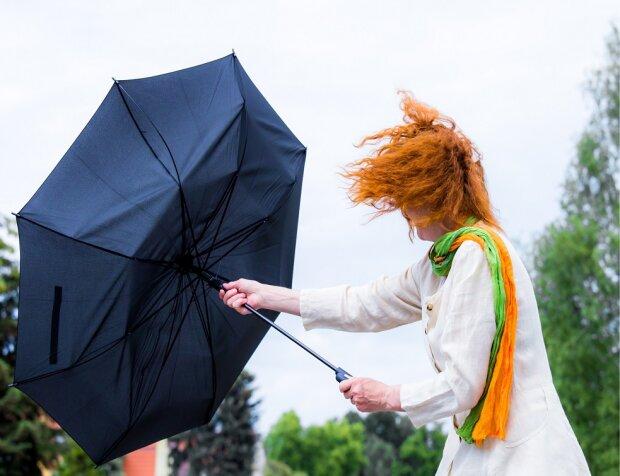 """Держите шляпы: франковцев предупредили о приближении шторма, - """"уже рядом"""""""