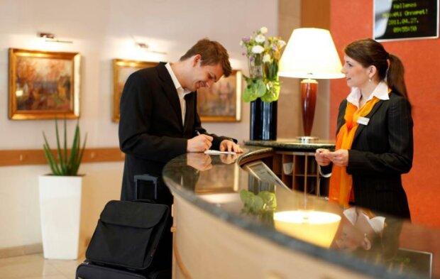 Крадіжка в готелі, фото: oxu.az