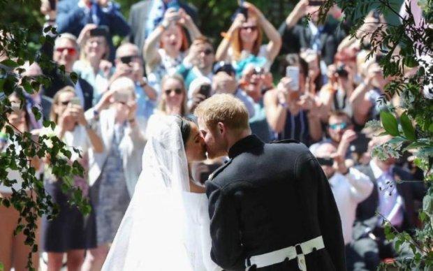 Свадебный сюрприз: Елизавета ІІ подарила принцу Гарри и Меган Маркл нечто особенное