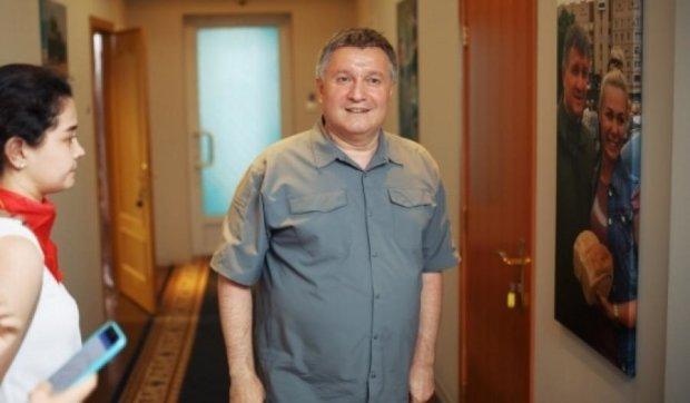 Аваков звинуватив Кернеса в тортурах та крадіжках