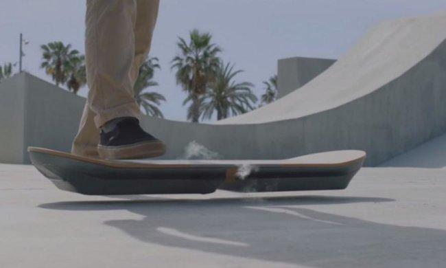 Lexus створив літаючий скейт (відео)