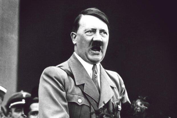 Адольф Гітлер, фото з вільних джерел