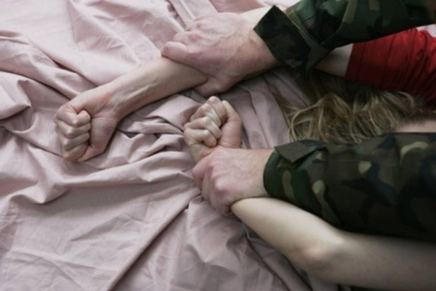 """В Україні пом'якшили покарання педофілам-ґвалтівникам: фатальний закон дав """"зелене світло"""" маніякам"""