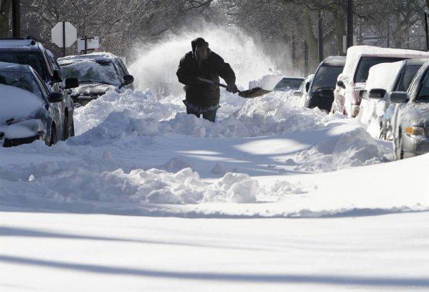 Снежный армагеддон пришел в Украину: карта опасных мест и полный провал коммунальщиков