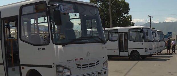 Автобус, скріншот із відео