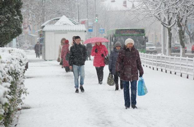 Погода в последние недели декабря будет штормить по-настоящему: предупреждение от синоптиков