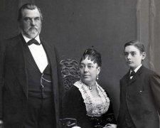Леланд і Джейн Стэнфорди з сином Леланд
