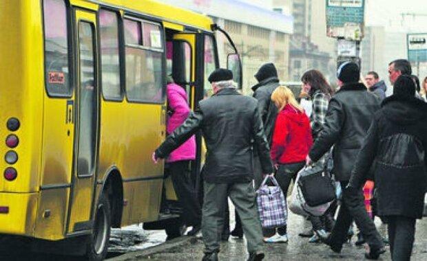 """Франківців пересадять на """"столичні"""" маршрутки: скільки доведеться платити за проїзд"""