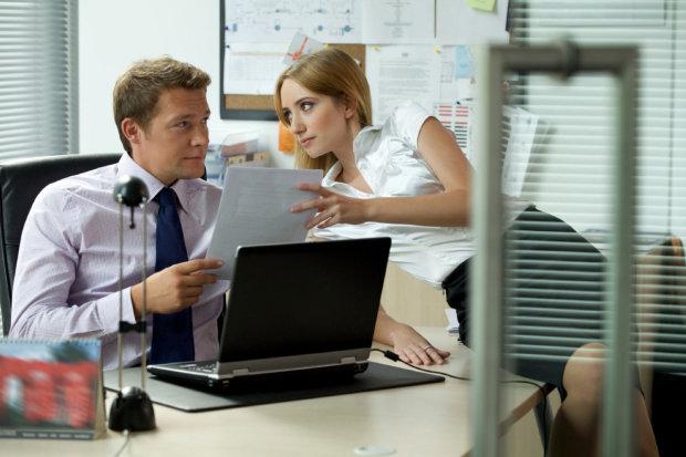 Лучше дома сидеть: ученые выяснили, какая работа приведет к ссорам и разводу