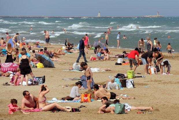 Кримські пляжі перетворилися на смітник, без сліз не подивишся: друга Прип'ять