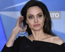 Анджелина Джоли снялась обнаженной и дала откровенное интервью