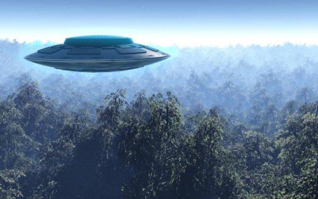 На Землю надвигается что-то страшное: уфологи предупредили о массовой миграции НЛО