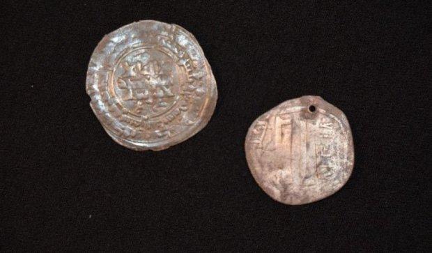 Археологи знайшли стародавню гробницю вікінгів