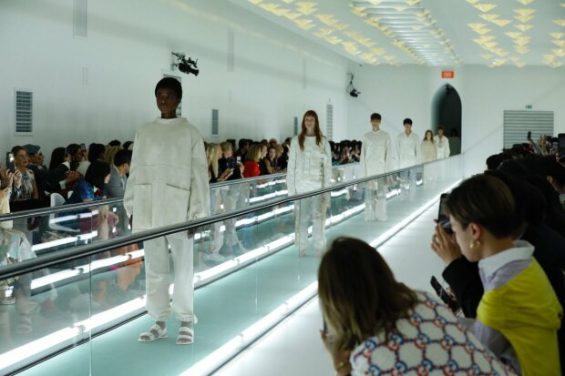 """Модель пристыдила Gucci прямо на подиуме, это запомнится всем: """"Психическое здоровье – не мода"""""""