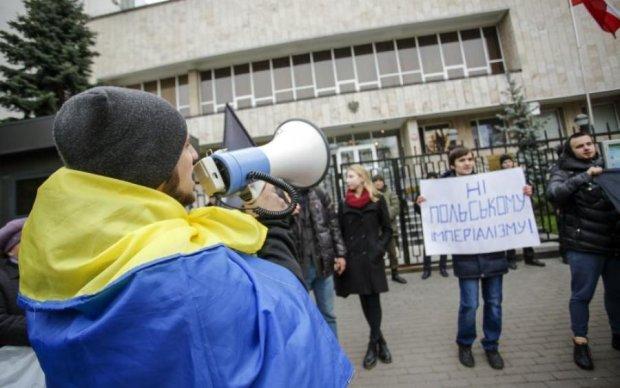 Заклятый враг: Польша шокировала заявлением по Украине