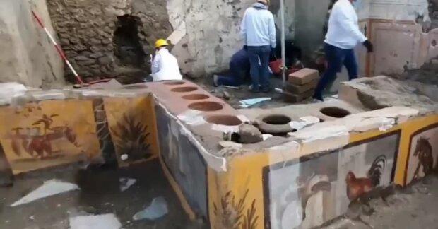 Ученые обнаружили киоск с остатками еды в Помпеях: сохранялись 2 тысячи лет под лавой