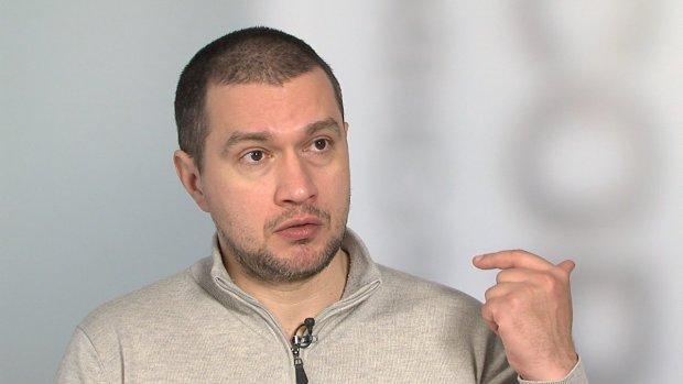 Украинский комментатор-атошник рассказал о войне на Востоке: отстреляться и быстро-быстро убегать