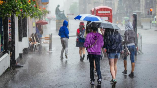 Погода у Києві на 22 липня: підмочить не на жарт, доведеться носитися з парасольками