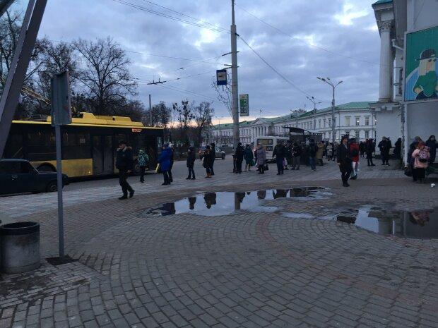 """Львовские медики открыли глаза на наглых маршрутчиков в разгар пандемии -""""это такое уважение?"""""""