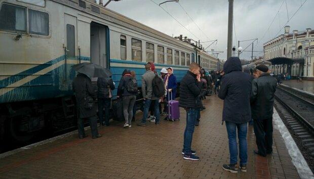 Разбирай чемоданы, поездка отменяется: работники Укрзализныци готовятся к всеукраинскому протесту